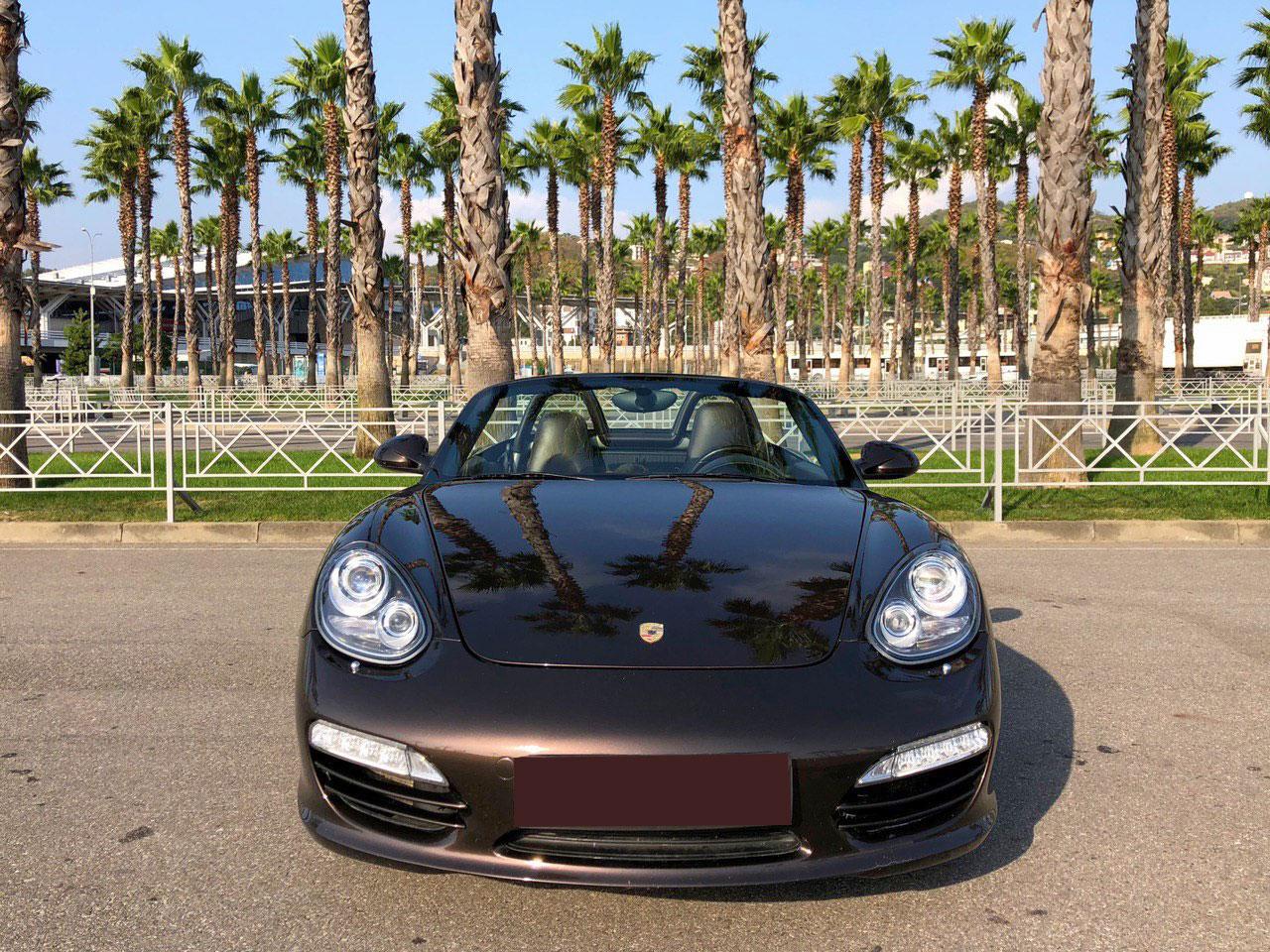 Кабриолет Porsche Boxster в Сочи